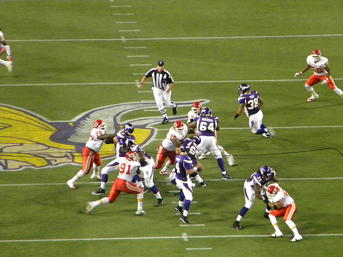 http://purplejesus.files.wordpress.com/2011/04/vikings-chiefs.jpg