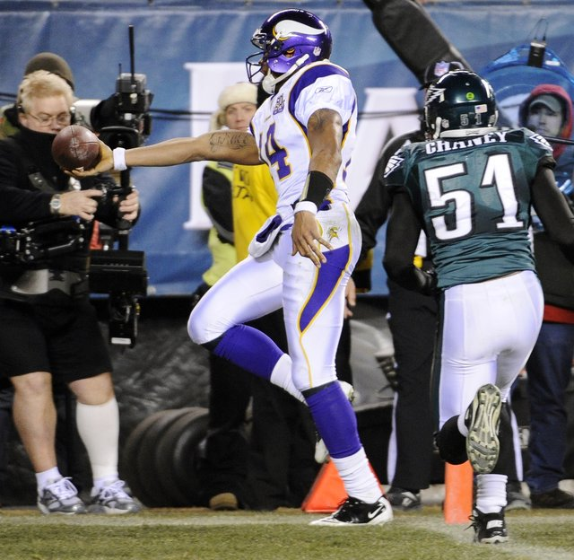 http://purplejesus.files.wordpress.com/2011/04/vikings-eagles.jpg
