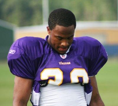 http://purplejesus.files.wordpress.com/2011/07/asher-allen-training-camp-2010.jpg?w=400