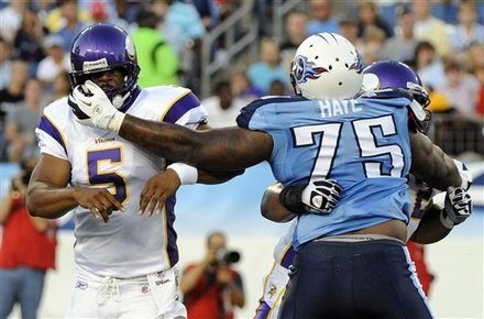 http://purplejesus.files.wordpress.com/2011/08/bad-offensive-line-2011.jpg