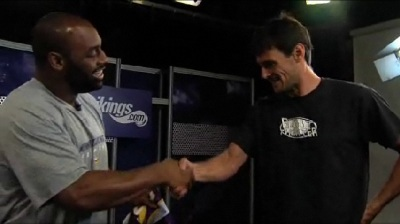 http://purplejesus.files.wordpress.com/2011/08/kluwe-and-mcnabb-contract002.jpg?w=400