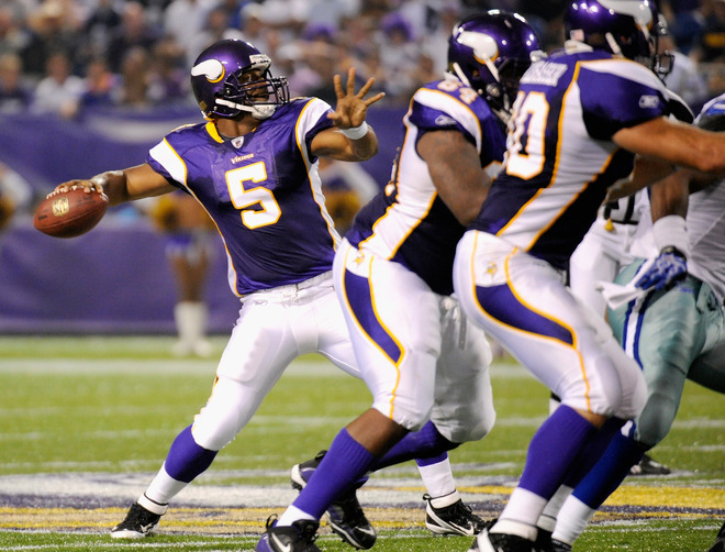 http://purplejesus.files.wordpress.com/2011/08/offensive-line-blocking-vikings-2011.jpg?w=660