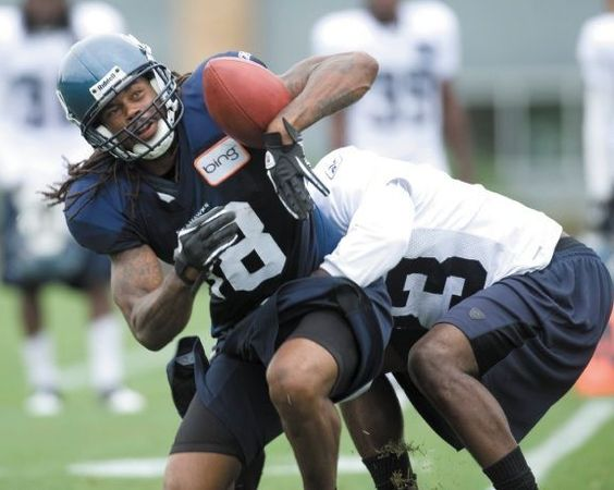 http://purplejesus.files.wordpress.com/2011/08/sidney-rice-seahawks.jpg