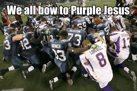 http://purplejesus.files.wordpress.com/2011/08/vikings-seahawks-banner.jpg