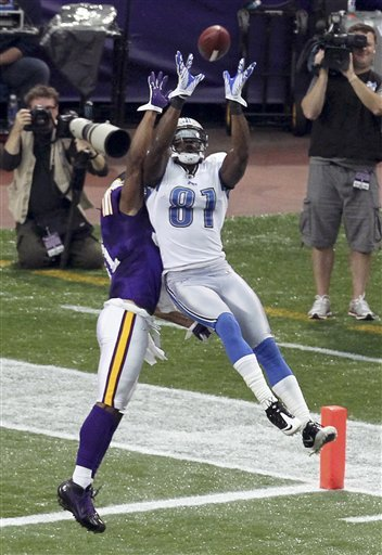 http://purplejesus.files.wordpress.com/2011/09/chris-cook-2011-lions.jpg