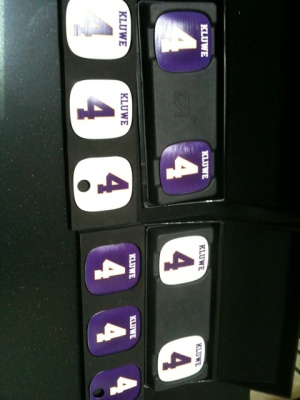 http://purplejesus.files.wordpress.com/2011/09/kluwe-warcraft-headhones-002.jpg?w=300