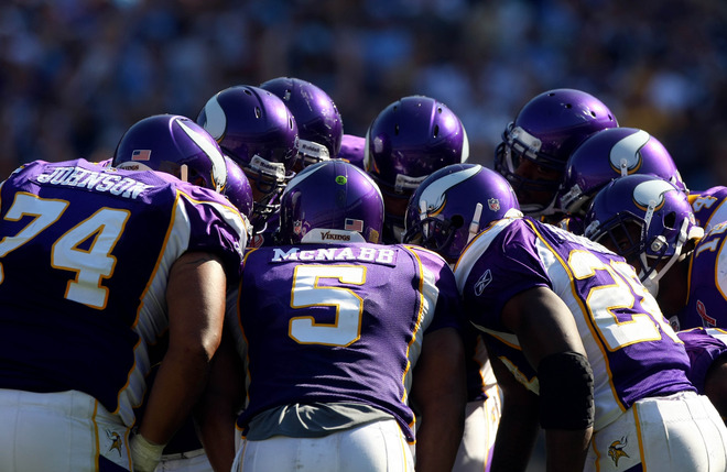 http://purplejesus.files.wordpress.com/2011/09/mcnabb-huddle-2011.jpg
