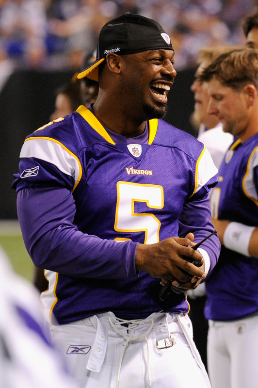 http://purplejesus.files.wordpress.com/2011/09/mcnabb-vikings-2006.jpg