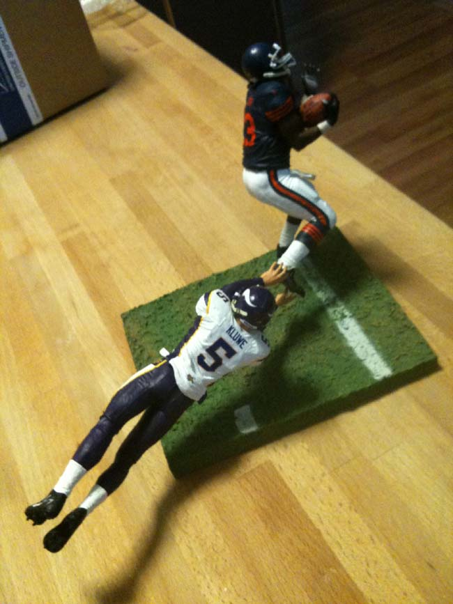 http://purplejesus.files.wordpress.com/2011/10/kluwe-hester-action-figure.jpg?w=650