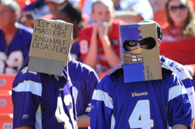 http://purplejesus.files.wordpress.com/2011/10/vikings-chiefs-fans-2011.jpg?w=400