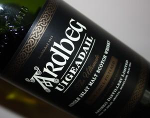 http://purplejesus.files.wordpress.com/2011/12/ardbeg-whisky.jpg?w=300