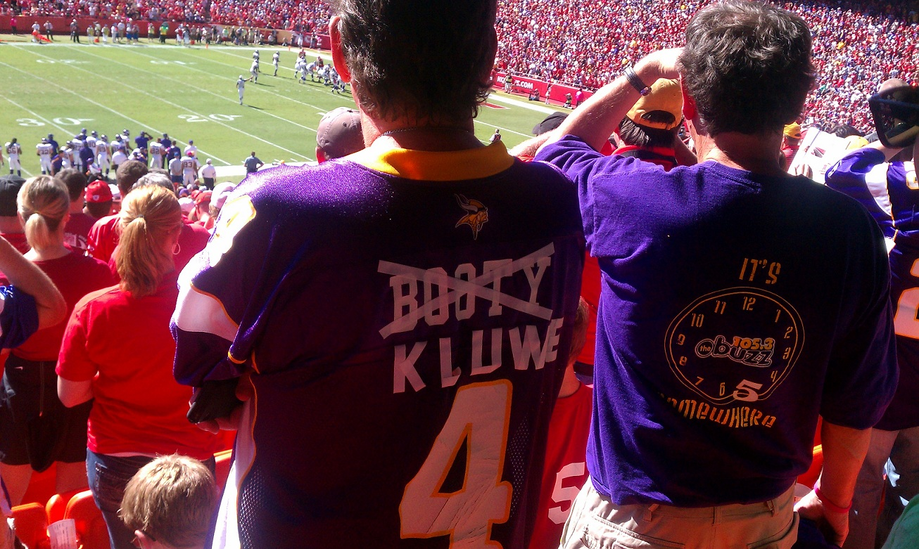 http://purplejesus.files.wordpress.com/2011/12/chris-kluwe-jersey-mock.jpg