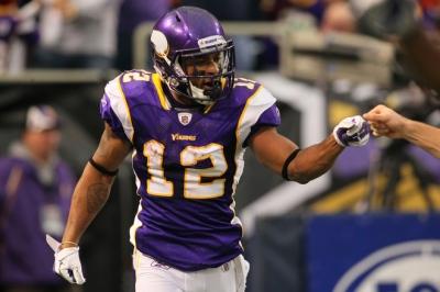 http://purplejesus.files.wordpress.com/2011/12/percy-harvin-broncos-2011-fist-bump.jpg?w=400