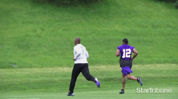 http://purplejesus.files.wordpress.com/2012/05/ad0-percy-harvin-running-hill.jpg