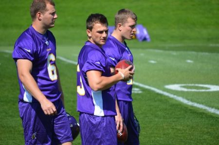 http://purplejesus.files.wordpress.com/2012/05/blair-walsh-vikings-001.jpg?w=450
