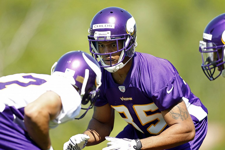 http://purplejesus.files.wordpress.com/2012/05/greg-childs-vikings-001.jpg?w=771