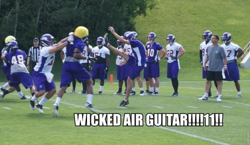 http://purplejesus.files.wordpress.com/2012/06/2012-ota-lol-0014-air-guitar.jpg?w=500