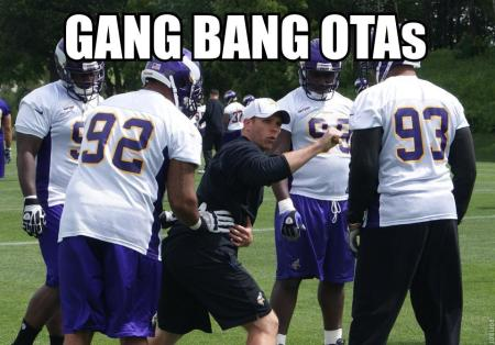 http://purplejesus.files.wordpress.com/2012/06/2012-ota-lol-012-gang-bang.jpg?w=450