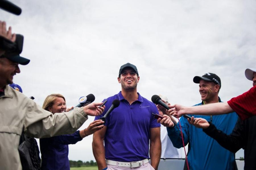 http://purplejesus.files.wordpress.com/2012/06/christian-ponder-fratty-golf-2012-001.jpg?w=900