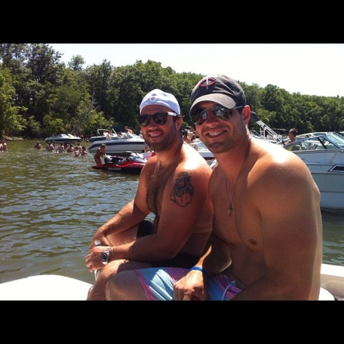 http://purplejesus.files.wordpress.com/2012/06/shirtless-ponder-2012-boat.jpg?w=500