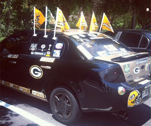 http://purplejesus.files.wordpress.com/2012/07/packers-car.jpg