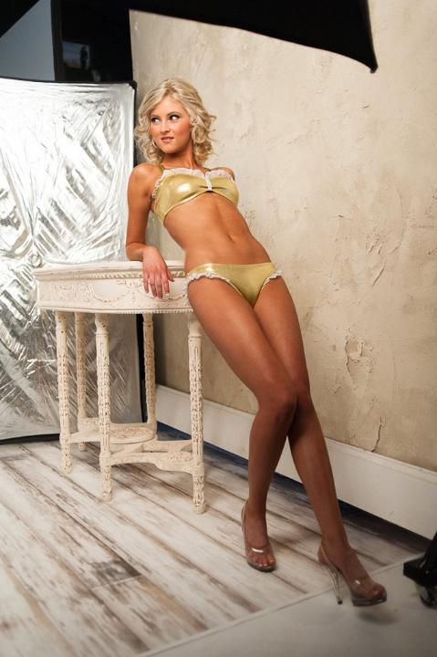 http://purplejesus.files.wordpress.com/2012/07/vikings-cheerleader-swimsuit-2012-004.jpg
