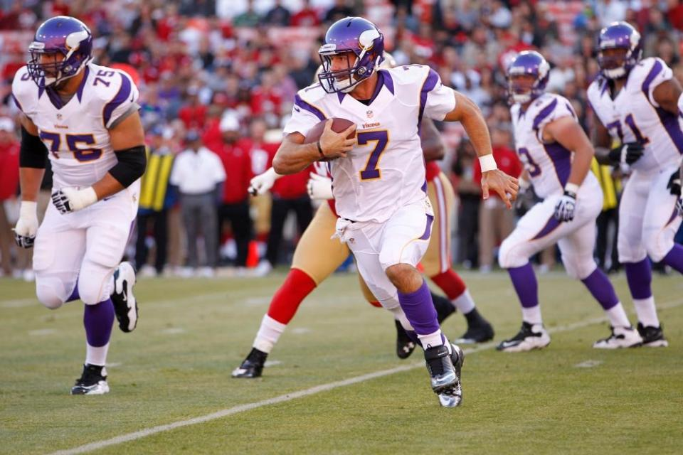 http://purplejesus.files.wordpress.com/2012/08/christian-ponder-49ers-preseason-001.jpg
