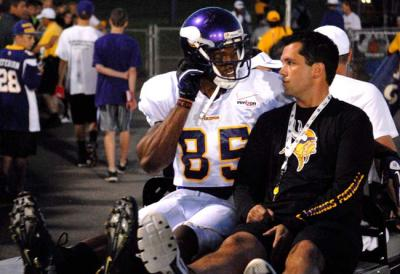http://purplejesus.files.wordpress.com/2012/08/greg-childs-vikings-007.jpg