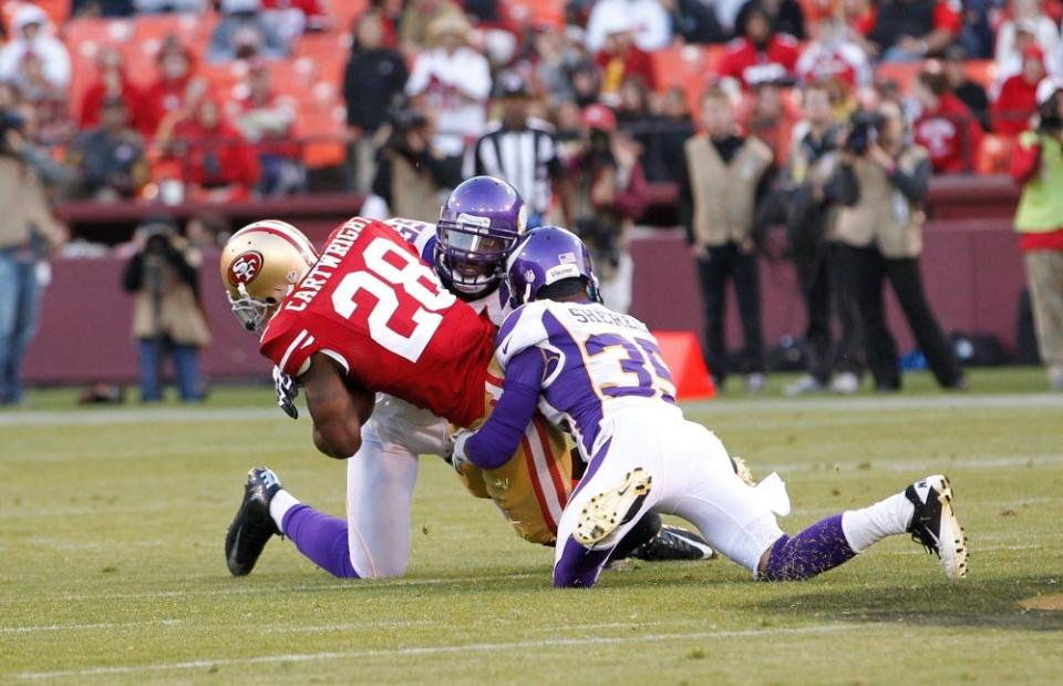 http://purplejesus.files.wordpress.com/2012/08/marcus-sherels-49ers-preseason-001.jpg