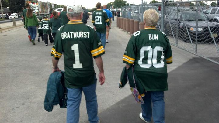 http://purplejesus.files.wordpress.com/2012/08/packer-fans-custom-jersey.jpg