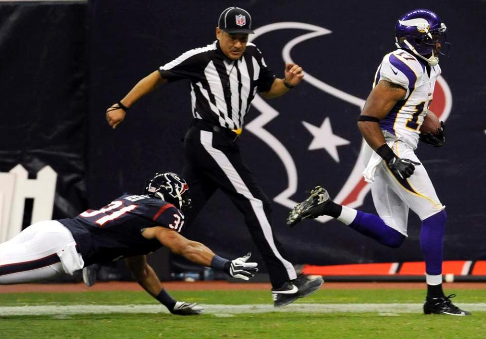 http://purplejesus.files.wordpress.com/2012/08/refs-jarius-wright-texans-2012-001.jpg